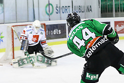 27.02.2015, Hala Tivoli, Ljubljana, SLO, EBEL, HDD Telemach Olimpija Ljubljana vs HC TWK Innsbruck, 6. Qualification Round, in picture Maks Selan (HDD Telemach Olimpija, #44) vs Patrick Machreich (HC TWK Innsbruck, #33) during the Erste Bank Icehockey League 6. Qualification Round between HDD Telemach Olimpija Ljubljana and HC TWK Innsbruck at the Hala Tivoli, Ljubljana, Slovenia on 2015/02/27. Photo by Morgan Kristan / Sportida