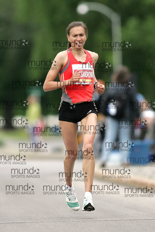 (Ottawa, ON --- May 30, 2010) GALINA ALEKSANDRO running in the marathon during the Ottawa Race Weekend. Photograph copyright Sean Burges / Mundo Sport Images