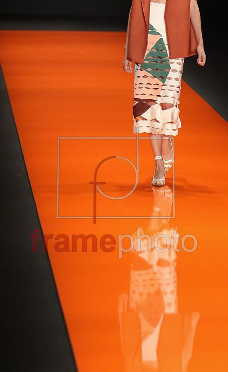 Segundo dia da 41ª edição da São Paulo Fashion Week no Parque do Ibirapuera, Pavilhão da Fundação Bienal, em São Paulo, nesta terça-feira (26/04). Foto: Marcello Fim / FrampePhoto
