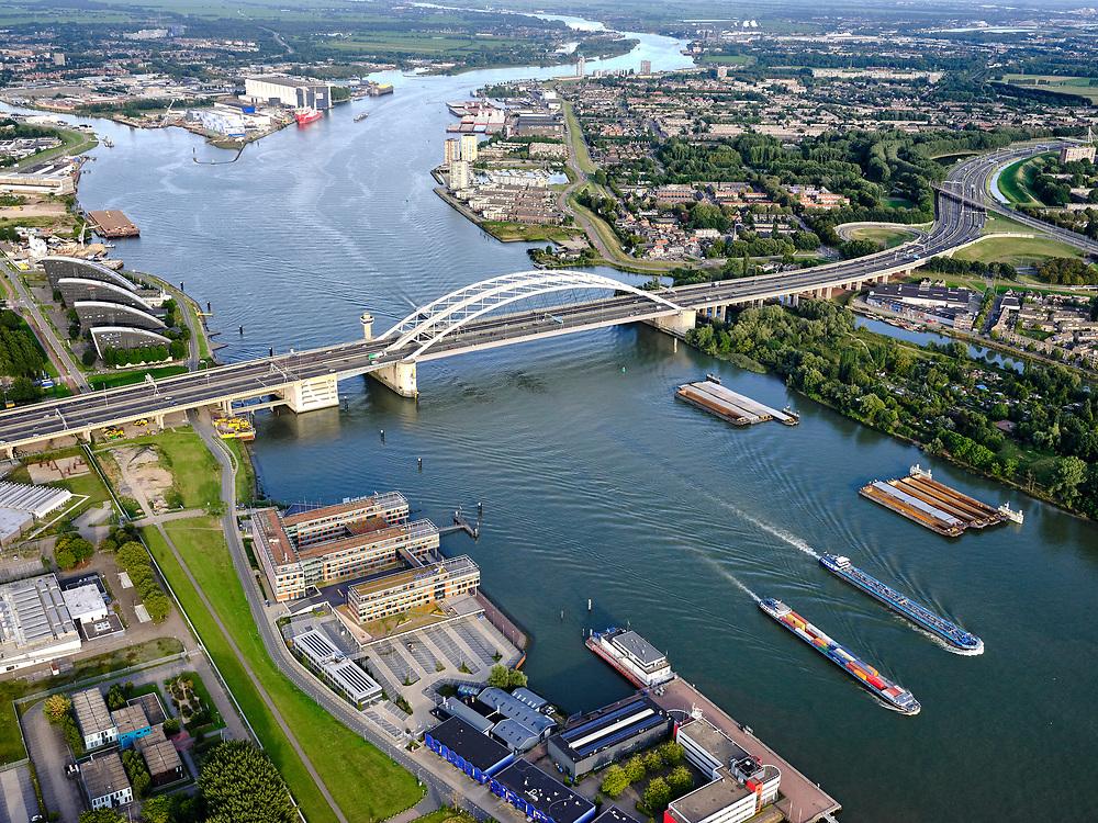 Nederland, Zuid-Holland, Rotterdam, 14-09-2019; rivier de Nieuwe Maas met de Van Brienenoordbrug, stadsdeel IJsselmonde. Splitsing Hollandse IJssel en Nieuwe Maas. A16 richting Breda.<br /> The Nieuwe Maas river with the Van Brienenoord bridge, IJsselmonde district. A16 direction Breda.<br /> luchtfoto (toeslag op standard tarieven);<br /> aerial photo (additional fee required);<br /> copyright foto/photo Siebe Swart