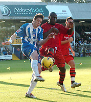 Photo: Ashley Pickering.<br />Colchester United v Cardiff City. Coca Cola Championship. 04/11/2006. <br />Cardiff's Kevin Campbell and Colchester's Greg Halford.
