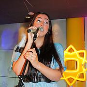 NLD/Hilversum/20120511 - Uitzwaaien Joan Franka voor deelname Eurovisie Songfestival,
