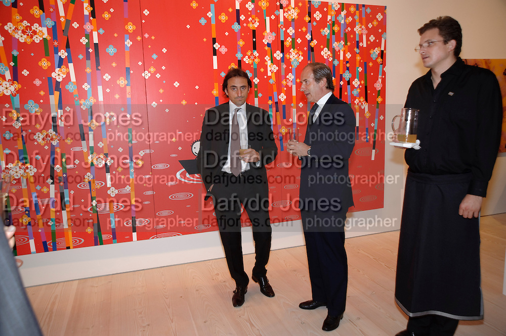 NICHOLAS DE SANTIS; SIMON DE PURY, Korean Eye Dinner  hosted by The Dowager Viscountess Rothermere and Simon De Pury.Sponsored by CJ, Korean Food Globalization Team, Hino Consulting and Visit Korea Committee. Phillips de Pury Space, Saatchi Gallery.  Sloane Sq. London. 2 July 2009.