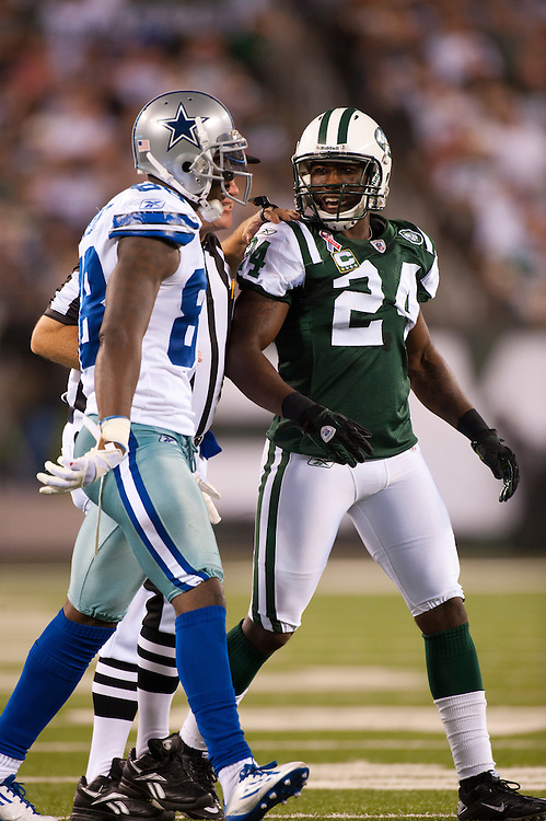 EAST RUTHERFORD, NJ - SEPTEMBER 11: Darrelle Revis #24 of the New York Jets defends against the Dallas Cowboys at MetLife Stadium on September 11, 2011 in East Rutherford, New Jersey. The Jets defeated the Cowboys 27 to 24. (Photo by Rob Tringali) *** Local Caption *** Darrelle Revis