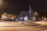 Church in captured with long exposure in snowy weather | Ytre Herøy kyrkje i vinterlandskap, tatt med lang eksponering i snøvær.
