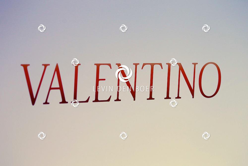 AMSTERDAM - In Tuschinski is de Nederlandse film Valention in premiere gegaan. Diversen bekende Nederlanders kwamen over de rode loper. Met hier op de foto de poster. FOTO LEVIN DEN BOER - PERSFOTO.NU