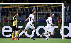 Tottenham Hotspur's Harry Kane (centre) celebrates scoring his side's first goal of the game