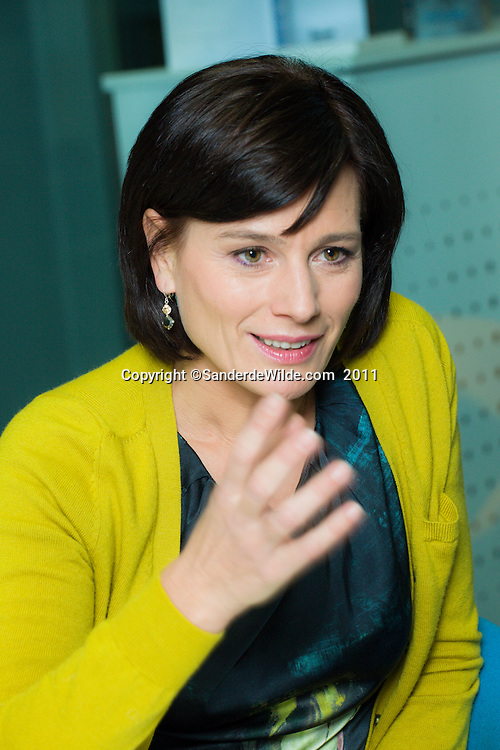 Presentatice VTM journaal Birgit van Mol , VTM studios, Vilvoorde, Belgium ©sanderdewilde.com 2011-01-05
