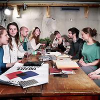 Nederland, Amsterdam , 20 april 2015.<br /> De Theatergroep maakt theatereen voorstelling De Derde Generatie genaamd.<br /> De Derde Generatie is onderdeel van een drieluik voorstellingen over de Tweede Wereldoorlog die de Theatergroep in de afgelopen jaren voor Theater Na de Dam heeft gemaakt. Na Uit Eerste Hand en In Tweede Instantie, waarin zij in gesprek gingen met de eerste generatie en waarin zij teksten en interviews verzamelden en doorvertelden, volgt nu De Derde Generatie, waarin de Theatergroep zichzelf interviewt.<br /> Foto:Jean-Pierre Jans