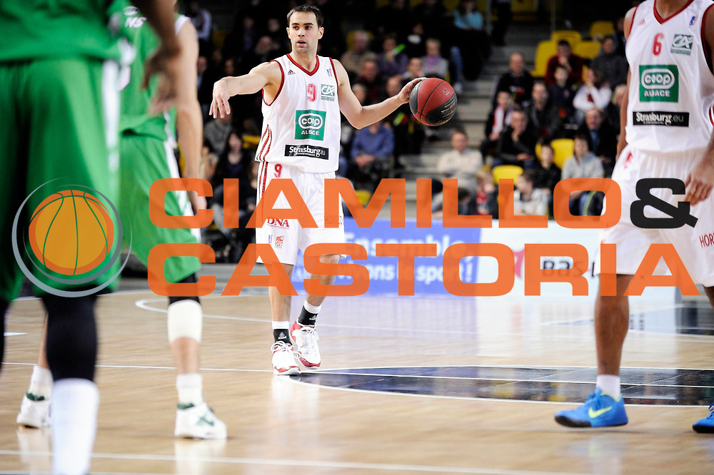 DESCRIZIONE : Championnat de France Pro a Strasbourg<br /> GIOCATORE : Jeanneau Aymeric<br /> SQUADRA : Strasbourg<br /> EVENTO : Pro a <br /> GARA : Strasbourg Nanterre<br /> DATA :14/01/2012<br /> CATEGORIA : Basketball France Homme<br /> SPORT : Basketball<br /> AUTORE : JF Molliere<br /> Galleria : France Basket 2011-2012 Action<br /> Fotonotizia : Championnat de France Basket Pro A<br /> Predefinita :