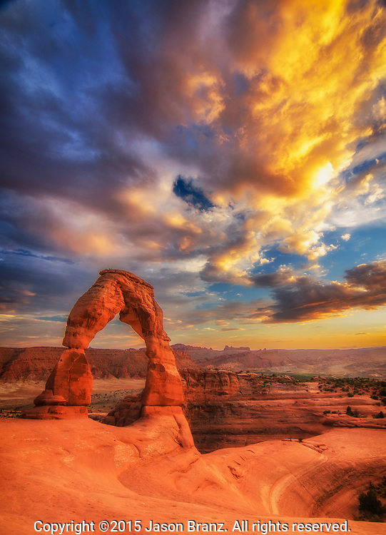 Summer sunset over Delicate Arch in Arches National Park, Utah.
