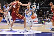 DESCRIZIONE : Campionato 2015/16 Serie A Beko Dinamo Banco di Sardegna Sassari - Umana Reyer Venezia<br /> GIOCATORE : David Logan<br /> CATEGORIA : Palleggio Penetrazione<br /> SQUADRA : Dinamo Banco di Sardegna Sassari<br /> EVENTO : LegaBasket Serie A Beko 2015/2016<br /> GARA : Dinamo Banco di Sardegna Sassari - Umana Reyer Venezia<br /> DATA : 01/11/2015<br /> SPORT : Pallacanestro <br /> AUTORE : Agenzia Ciamillo-Castoria/C.Atzori