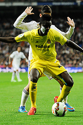 01.03.2015, Estadio Santiago Bernabeu, Madrid, ESP, Primera Division, Real Madrid vs FC Villarreal, 25. Runde, im Bild Real Madrid´s Isco and Villarreal CF´s Eric Bailly // during the Spanish Primera Division 25th round match between Real Madrid CF and Villarreal at the Estadio Santiago Bernabeu in Madrid, Spain on 2015/03/01. EXPA Pictures © 2015, PhotoCredit: EXPA/ Alterphotos/ Luis Fernandez<br /> <br /> *****ATTENTION - OUT of ESP, SUI*****