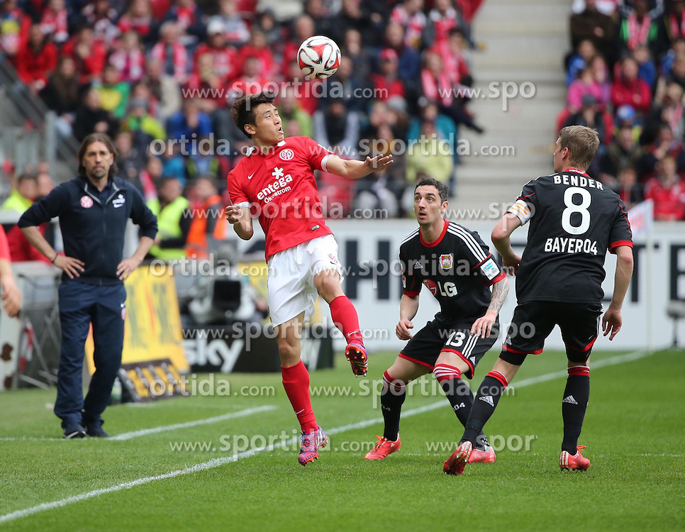 11.04.2015, Coface Arena, Mainz, GER, 1. FBL, 1. FSV Mainz 05 vs Bayer 04 Leverkusen, 28. Runde, im Bild Ja-Cheol Koo (Mainz) gegen Roberto Hilbert (Bayer) // during the German Bundesliga 28th round match between 1. FSV Mainz 05 and Bayer 04 Leverkusen at the Coface Arena in Mainz, Germany on 2015/04/11. EXPA Pictures &copy; 2015, PhotoCredit: EXPA/ Eibner-Pressefoto/ Neurohr<br /> <br /> *****ATTENTION - OUT of GER*****