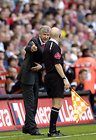 Photo: Olly Greenwood.<br />Charlton Athletic v Arsenal. The Barclays Premiership. 30/09/2006. Arsenal manager Arsene Wenger is angry with the linesman after not for flagging offside.
