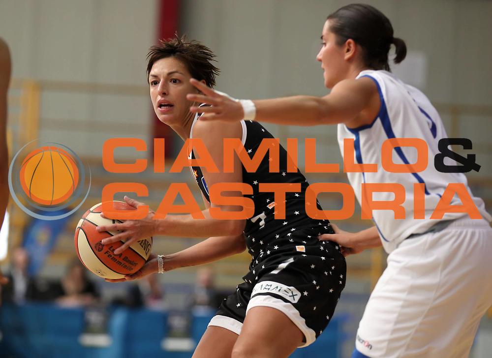 DESCRIZIONE : Cervia Lega A1 Femminile 2011-12 Opening Day 2011 Pool Comense Basket Alcamo<br /> GIOCATORE : Valentina Donvito<br /> SQUADRA : Pool Comense<br /> EVENTO : Campionato Lega A1 Femminile 2011-2012 <br /> GARA : Pool Comense Basket Alcamo<br /> DATA : 16/10/2011 <br /> CATEGORIA : <br /> SPORT : Pallacanestro <br /> AUTORE : Agenzia Ciamillo-Castoria/ElioCastoria<br /> Galleria : Lega Basket Femminile 2011-2012 <br /> Fotonotizia : Cervia Lega A1 Femminile 2011-12 Opening Day 2011 Pool Comense Basket Alcamo<br /> Predefinita :