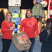 NLD/Amsterdam/20191206 - Sky Radio's Christmas Tree For Charity 2019, Nicolette van Dam en partner Bas Smit