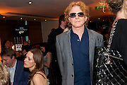 MICK HUCKNALL, The Tomodachi ( Friends) Charity Dinner hosted by Chef Nobu Matsuhisa in aid of the Japanese Tsunami Appeal. Nobu Park Lane. London. 4 May 2011. <br /> <br />  , -DO NOT ARCHIVE-© Copyright Photograph by Dafydd Jones. 248 Clapham Rd. London SW9 0PZ. Tel 0207 820 0771. www.dafjones.com.