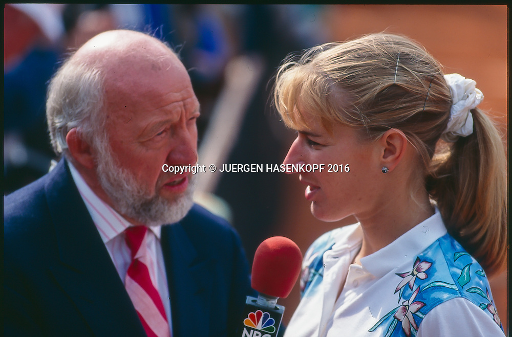 Steffi Graf (GER), Interview mit Bud Collins, Roland Garros, French Open 1996<br /> <br /> Tennis - French Open 1996 - Grand Slam ATP / WTA -  Roland Garros - Paris -  - France  - 14 May 2016.