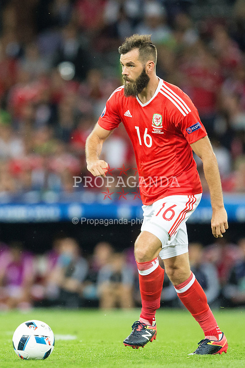 TOULOUSE, FRANCE - Monday, June 20, 2016: Wales' Joe Ledley during the final Group B UEFA Euro 2016 Championship match against Russia at Stadium de Toulouse. (Pic by Paul Greenwood/Propaganda)