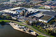 Nederland, Zuid-Holland, Leerdam, 28-10-2014; Glasfabriek Leerdam, Royal Leerdam Crystal (onderdeel van de Royal Delft Group). Gelegen aan riviertje de Linge.<br /> Glass factory Leerdam, Royal Leerdam Crystal (part of the Royal Delft Group). Situated on river Linge.<br /> luchtfoto (toeslag op standard tarieven); aerial photo (additional fee required); copyright foto/photo Siebe Swart