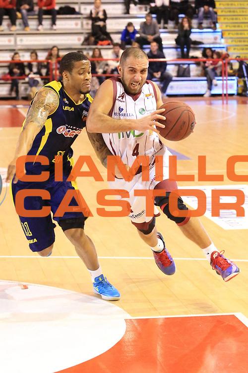 DESCRIZIONE : Ferentino Lega Basket A2  eurobet 2012-13  Fmc Ferentino Sigma Barcellona<br /> GIOCATORE : Francesco Guarino<br /> CATEGORIA : sequenza penetrazione <br /> SQUADRA : Fmc Ferentino<br /> EVENTO : Ferentino Lega Basket A2  eurobet 2012-13 <br /> GARA : Fmc Ferentino  Sigma Barcellona<br /> DATA : 24/02/2013<br /> SPORT : Pallacanestro <br /> AUTORE : Agenzia Ciamillo-Castoria/ M.Simoni<br /> Galleria : Lega Basket A2 2012-2013 <br /> Fotonotizia : Ferentino Lega Basket A2  eurobet 2012-13  Fmc Ferentino Sigma Barcellona<br /> Predefinita :