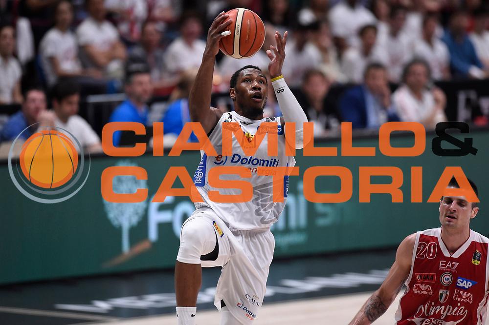 Dominique Sutton<br /> EA7 Emporio Armani Olimpia Milano - Dolomiti Energia Aquila Basket Trento<br /> Lega Basket Serie A, Semifinali Playoff 2016/2017<br /> Milano, 25/05/2017<br /> Foto Ciamillo-Castoria