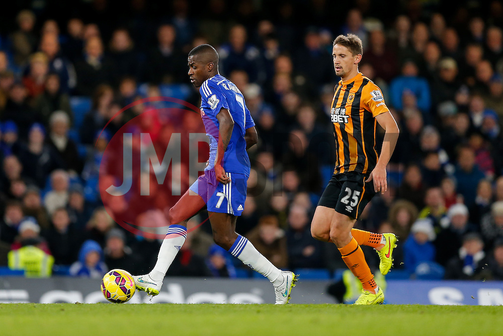 Ramires of Chelsea is challenged by Gaston Ramirez of Hull City - Photo mandatory by-line: Rogan Thomson/JMP - 07966 386802 - 13/12/2014 - SPORT - FOOTBALL - London, England - Stamford Bridge - Chelsea v Hull City - Barclays Premier League.