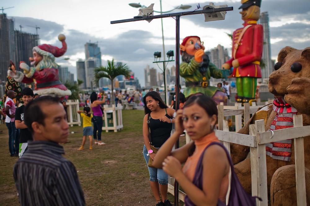 CINTA COSTERA<br /> Photography by Aaron Sosa.<br /> Panama City - Panama 2011.<br /> (Copyright &copy; Aaron Sosa)