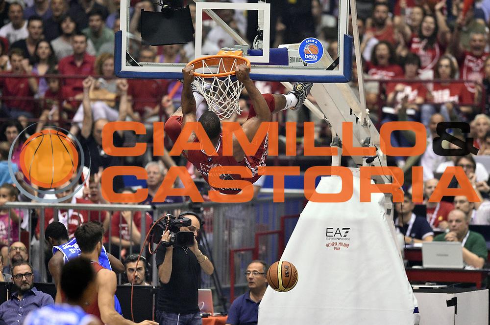 DESCRIZIONE : Milano Lega A 2014-15 EA7 Emporio Armani Milano vs Banco di Sardegna Sassari playoff Semifinale gara 7 <br /> GIOCATORE : Samardo Samuels<br /> CATEGORIA : schiacciata sequenza controcampo<br /> SQUADRA : EA7 Emporio Armani Milano<br /> EVENTO : PlayOff Semifinale gara 7<br /> GARA : EA7 Emporio Armani Milano vs Banco di Sardegna SassariPlayOff Semifinale Gara 7<br /> DATA : 10/06/2015 <br /> SPORT : Pallacanestro <br /> AUTORE : Agenzia Ciamillo-Castoria/GiulioCiamillo<br /> Galleria : Lega Basket A 2014-2015 Fotonotizia : Milano Lega A 2014-15 EA7 Emporio Armani Milano vs Banco di Sardegna Sassari playoff Semifinale  gara 7 Predefinita :