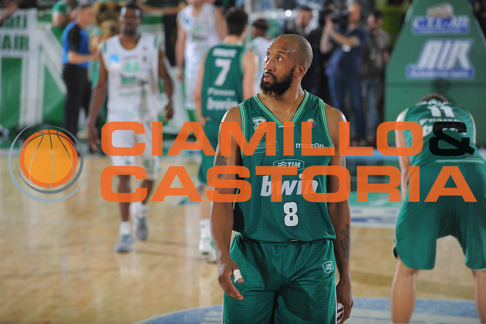 DESCRIZIONE : Treviso Lega A 2010-11 Quarti di finale Play off Gara 2 Air Avellino Benetton Treviso <br /> GIOCATORE : Brian Skinner<br /> SQUADRA : Air Avellino Benetton Treviso<br /> EVENTO : Campionato Lega A 2010-2011<br /> GARA : Air Avellino Benetton Treviso<br /> DATA : 21/05/2011<br /> CATEGORIA : Delusione<br /> SPORT : Pallacanestro<br /> AUTORE : Agenzia Ciamillo-Castoria/GiulioCiamillo<br /> Galleria : Lega Basket A 2010-2011<br /> Fotonotizia : Treviso Lega A 2010-11 Quarti di finale Play off Gara 2 Air AvellinovBenetton Treviso<br /> Predefinita :