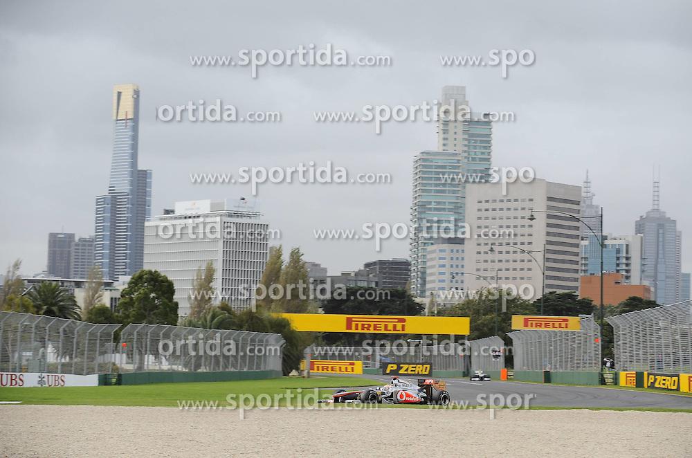 25.11.2011. Albert-Park-Circuit, Melbourne,  AUS, F1 Großer Preis von Australien Training / Melbourne 2011, im Bild  Lewis Hamilton (GBR), McLaren F1 Team EXPA Pictures © 2011, PhotoCredit: EXPA/ nph/  Dieter Mathis       ****** only for AUT & SLO ******