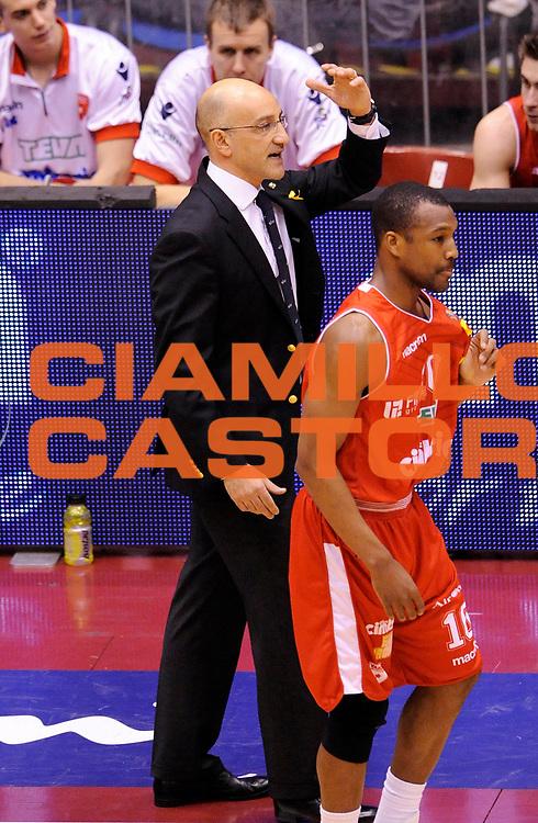 DESCRIZIONE : Milano Coppa Italia Final Eight 2013 Semifinale Cimberio Varese Acea Roma<br /> GIOCATORE : Coach Francesco Vitucci<br /> CATEGORIA : Coach Fair Play <br /> SQUADRA : Cimberio Varese <br /> EVENTO : Beko Coppa Italia Final Eight 2013<br /> GARA : Cimberio Varese Acea Roma<br /> DATA : 09/02/2013<br /> SPORT : Pallacanestro<br /> AUTORE : Agenzia Ciamillo-Castoria/A.Giberti<br /> Galleria : Lega Basket Final Eight Coppa Italia 2013<br /> Fotonotizia : Milano Coppa Italia Final Eight 2013 Semifinale Cimberio Varese Acea Roma<br /> Predefinita :