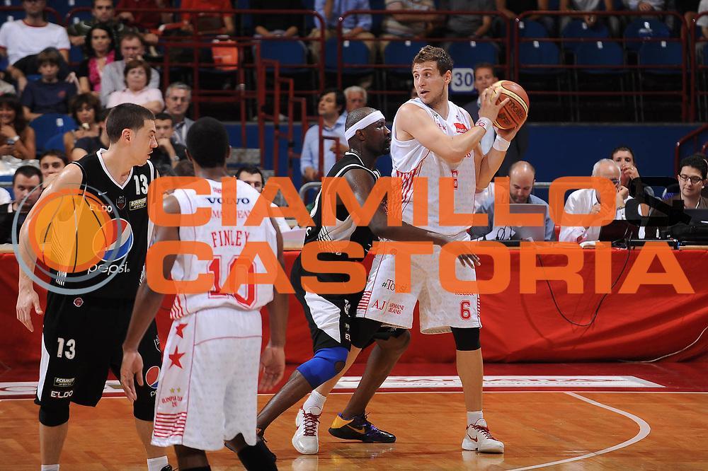 DESCRIZIONE : Milano Lega A 2009-10 Playoff Semifinale Gara 4 Armani Jeans Milano Pepsi Caserta<br /> GIOCATORE : Stefano Mancinelli<br /> SQUADRA : Armani Jeans Milano<br /> EVENTO : Campionato Lega A 2009-2010 <br /> GARA : Armani Jeans Milano Pepsi Caserta<br /> DATA : 08/06/2010<br /> CATEGORIA : palleggio<br /> SPORT : Pallacanestro <br /> AUTORE : Agenzia Ciamillo-Castoria/A.Dealberto<br /> Galleria : Lega Basket A 2009-2010 <br /> Fotonotizia : Milano Lega A 2009-10 Playoff Semifinale Gara 4 Armani Jeans Milano Pepsi Caserta<br /> Predefinita :