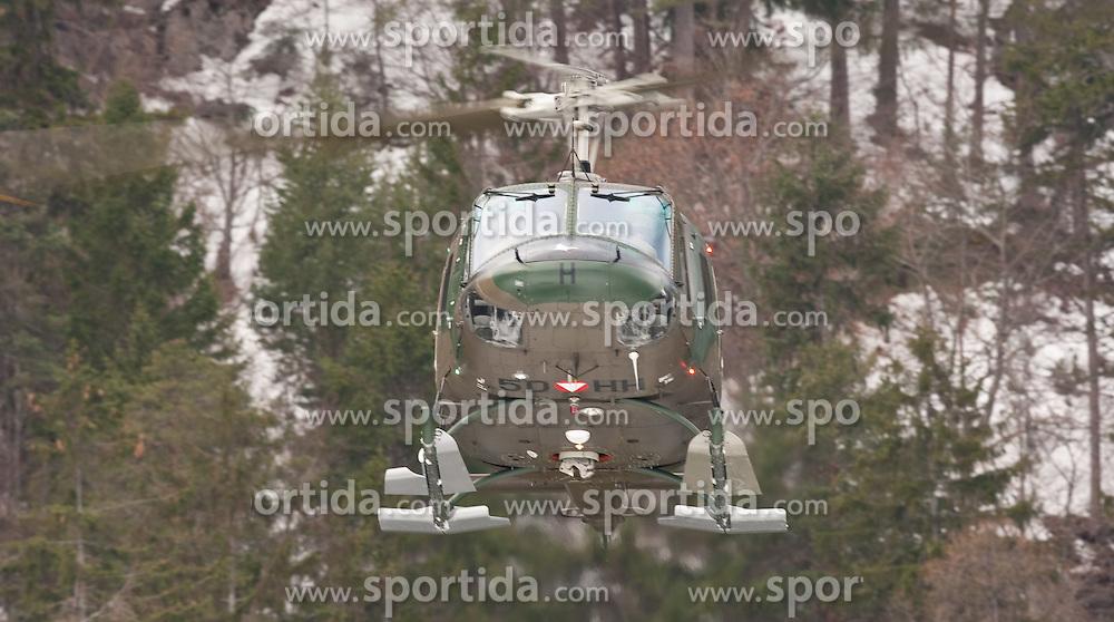 25.02.2010,  Lavanter Forcha, Lavant, AUT, Bundesheer Übung, im Bild Augusta Bell 212 Huey, des österreichischen Bundesheeres, EXPA Pictures © 2010, PhotoCredit: EXPA/ J. Feichter / SPORTIDA PHOTO AGENCY.
