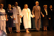 Kim Cattrall and cast . Whose Life is it Anyway? opening night performance at Comedy Theatre, Panton Street followed by Party at Mint Leaf. London. 26 January 2005. ONE TIME USE ONLY - DO NOT ARCHIVE  © Copyright Photograph by Dafydd Jones 66 Stockwell Park Rd. London SW9 0DA Tel 020 7733 0108 www.dafjones.com