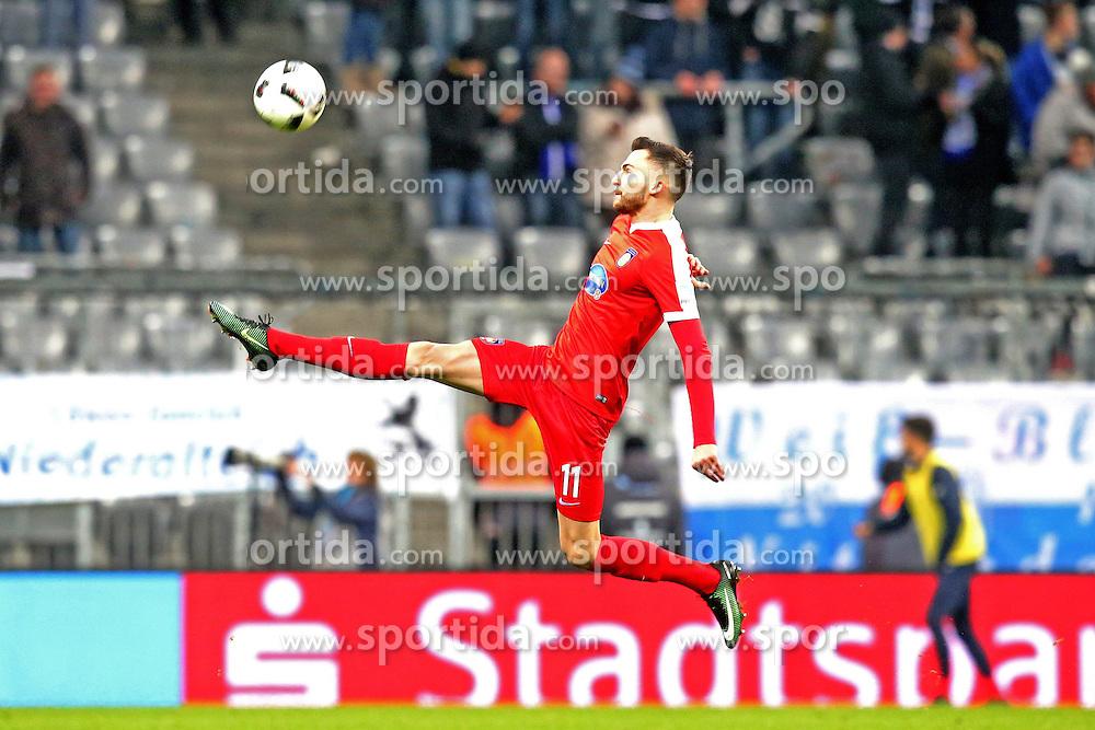 16.12.2016, Allianz Arena, M&uuml;nchen, GER, 2. FBL, TSV 1860 Muenchen vs 1. FC Heidenheim, 17. Runde, im Bild Denis Thomalla ( 1.FC Heidenheim #11) // during the 2nd German Bundesliga 17th round match between TSV 1860 Muenchen vs 1. FC Heidenheim at the Allianz Arena in M&uuml;nchen, Germany on 2016/12/16. EXPA Pictures &copy; 2016, PhotoCredit: EXPA/ Eibner-Pressefoto/ Langer<br /> <br /> *****ATTENTION - OUT of GER*****