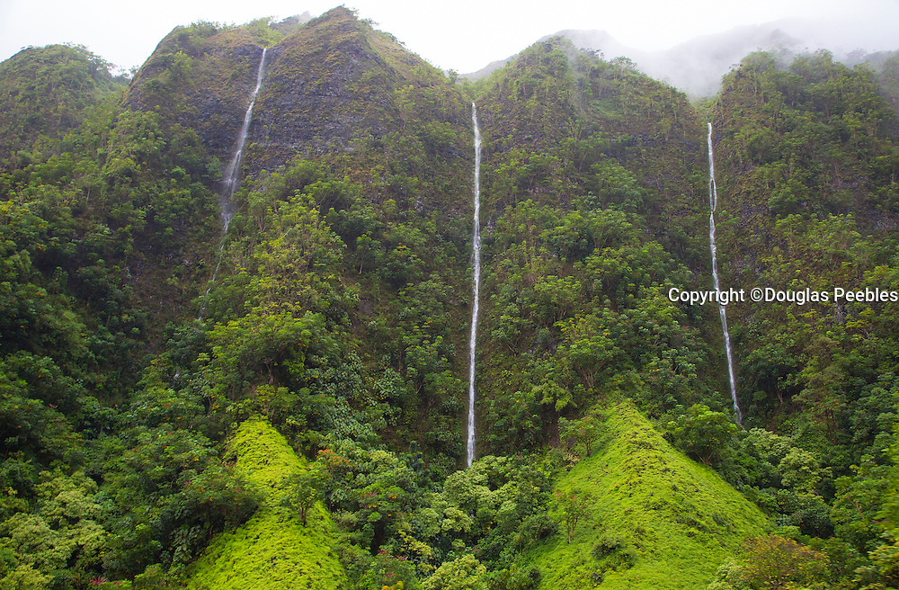 Waterfalls, Koolau Mountains, Windwar, Oahu, Hawaii