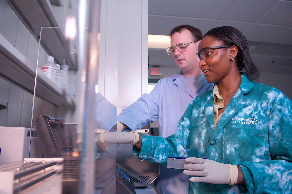 Biochemistry Research Center (W. State) Cellular and Biomolecular.Jennifer Hines' lab(RNA-targeted drug designs/lab bench)..Students: Abigael M. Muchenditsi & John A. Means