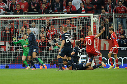 09.04.2014, Allianz Arena, Muenchen, GER, UEFA CL, FC Bayern Muenchen vs Manchester United, Viertelfinale, Rueckspiel, im Bild Arjen Robben (FC Bayern Muenchen) schiesst knapp am Tor vorbei. // during the UEFA Champions League Round of 8, 2nd Leg match between FC Bayern Muenchen and Manchester United at the Allianz Arena in Muenchen, Germany on 2014/04/09. EXPA Pictures &copy; 2014, PhotoCredit: EXPA/ Eibner-Pressefoto/ Stuetzle<br /> <br /> *****ATTENTION - OUT of GER*****