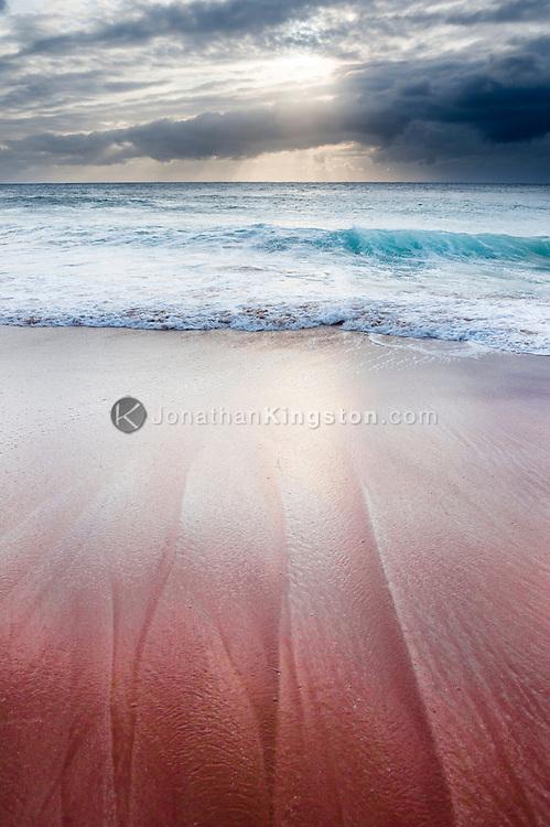 Sunset over Papohaku beach, one of the longest beaches in the Hawaiian islands, Molokai, Hawaii.