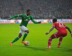 07.12.2013, Weserstadion, Bremen, GER, 1. FBL, SV Werder Bremen vs FC Bayern Muenchen, 15. Runde, im Bild Eljero Elia (SV Werder Bremen #11) am Ball, David Alaba (FC Bayern Muenchen / M&uuml;nchen #27), der Abwehr // Eljero Elia (SV Werder Bremen #11) am Ball, David Alaba (FC Bayern Muenchen / M&uuml;nchen #27), der Abwehr during the German Bundesliga 15th round match between SV Werder Bremen and FC Bayern Munich at the Weserstadion in Bremen, Germany on 2013/12/08. EXPA Pictures &copy; 2013, PhotoCredit: EXPA/ Andreas Gumz<br /> <br /> *****ATTENTION - OUT of GER*****