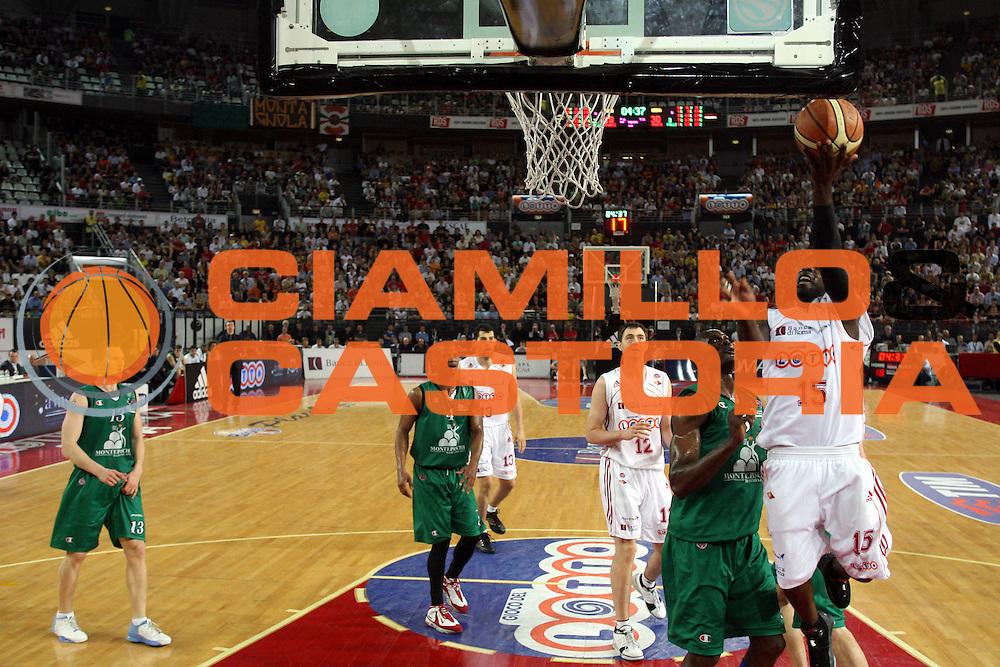 DESCRIZIONE : Roma Lega A1 2006-07 Playoff Semifinale Gara 4 Lottomatica Virtus Roma Montepaschi Siena<br />GIOCATORE : Mire Chatman<br />SQUADRA : Lottomatica Virtus Roma<br />EVENTO : Campionato Lega A1 2006-2007 Playoff Semifinale Gara 4<br />GARA : Lottomatica Virtus Roma Montepaschi Siena<br />DATA : 07/06/2007 <br />CATEGORIA : Special Tiro<br />SPORT : Pallacanestro <br />AUTORE : Agenzia Ciamillo-Castoria/Gabr.Ciamillo