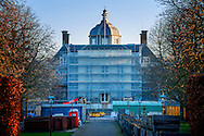 The Hague Palace Huis ten Bosch in The Hague in under construction , the new residence to be of the Dutch King Willem Alexander and Queen Maxima in 2017. ROBIN UTRECHT den haag DEN HAAG - verbouwing aan paleis huis te bosch waar koning willem alexander en koningi maxima dit jaar met hun gezin gaan wonen . Achter een toegangspoort van paleis Huis ten Bosch staan Zwarte schermen. Het paleis wordt in &eacute;&eacute;n keer verbouwd voor een bedrag van 59 miljoen euro. Eerder was het de bedoeling dat het toekomstige woonpaleis van koning Willem-Alexander en zijn gezin gefaseerd gerenoveerd ging worden.<br /> 21-1-2017 - DEN HAAG - Paleis Huis ten Bosch staat in de steigers wegens een verbouwing.  ROBIN UTRECHT