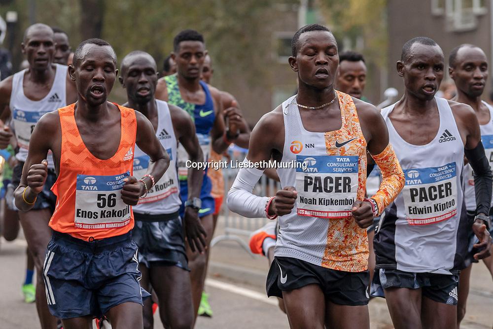 20-10-2019: Atletiek: TCS Amsterdam Marathon: Amsterdam  Beethovenstraat , Leading group men, km9 , Enos Kakopil