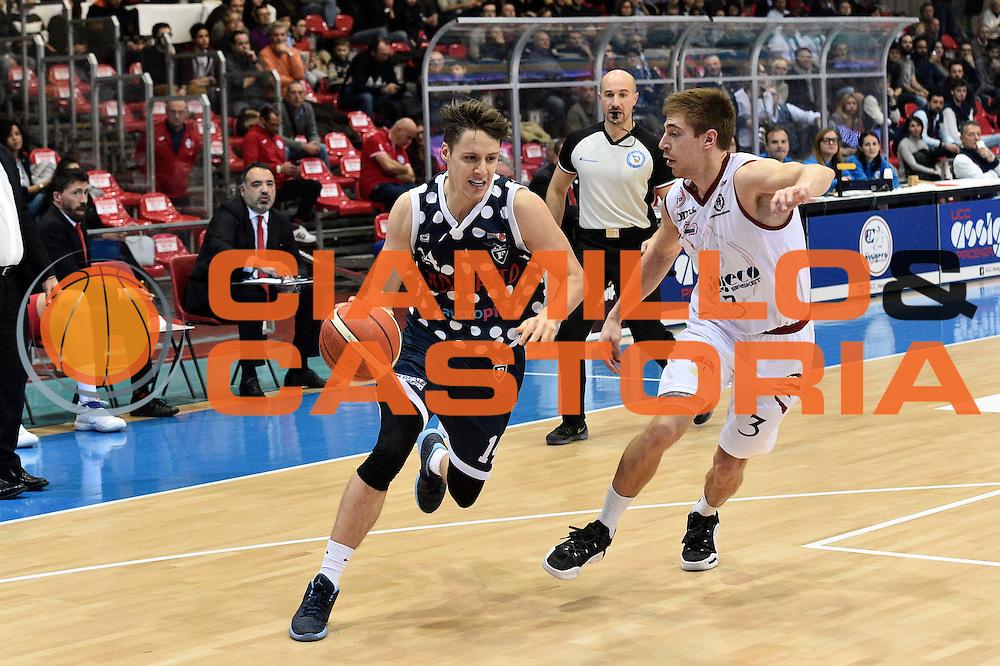 Matteo Montano<br /> UCC Assigeco Piacenza - Fortitudo Kontatto Bologna<br /> Campionato Basket A2 LNP 2016/2017<br /> Piacenza, 11/12/2016<br /> Foto Ciamillo-Castoria