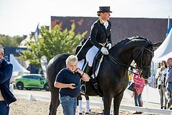 WERTH Isabell (GER), Frederik<br /> Impressionen am Rande<br /> Longines Großer Optimum Preis <br /> präsentiert von das Meggle GmbH & Co. KG<br /> Nat. Dressurprüfung Kl. S**** - Grand Prix Kür <br /> Finale Deutsche Meisterschaften<br /> Balve Optimum - Deutsche Meisterschaft Dressur 2020<br /> 20. September2020<br /> © www.sportfotos-lafrentz.de/Stefan Lafrentz