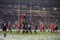 Leicester Lock (#5) Geoff Parling competes at a lineout during the second half of the match - Photo mandatory by-line: Rogan Thomson/JMP - Tel: Mobile: 07966 386802 20/01/2013 - SPORT - RUGBY UNION - Welford Road - Leicester. Leicester Tigers v Toulouse - Heineken Cup Round 6. This is a crucial match for both sides with the winner topping Pool 2 to progress to the Quarter Final stage of the competition.