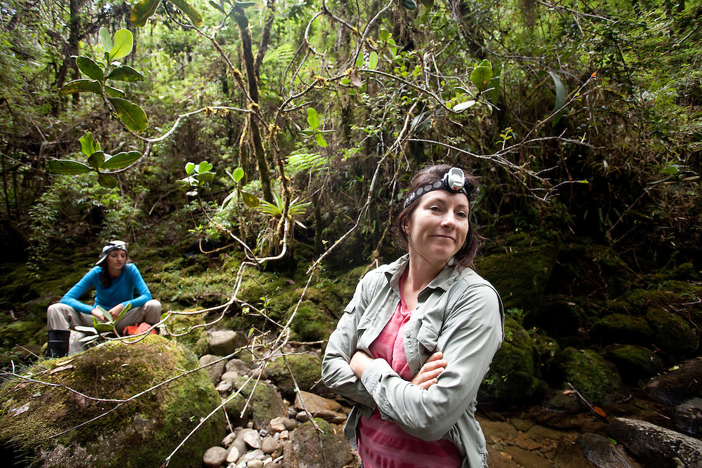 Lucy Cooke searches for Lost Frogs in a river near Sonson, Antioquia, Colombia