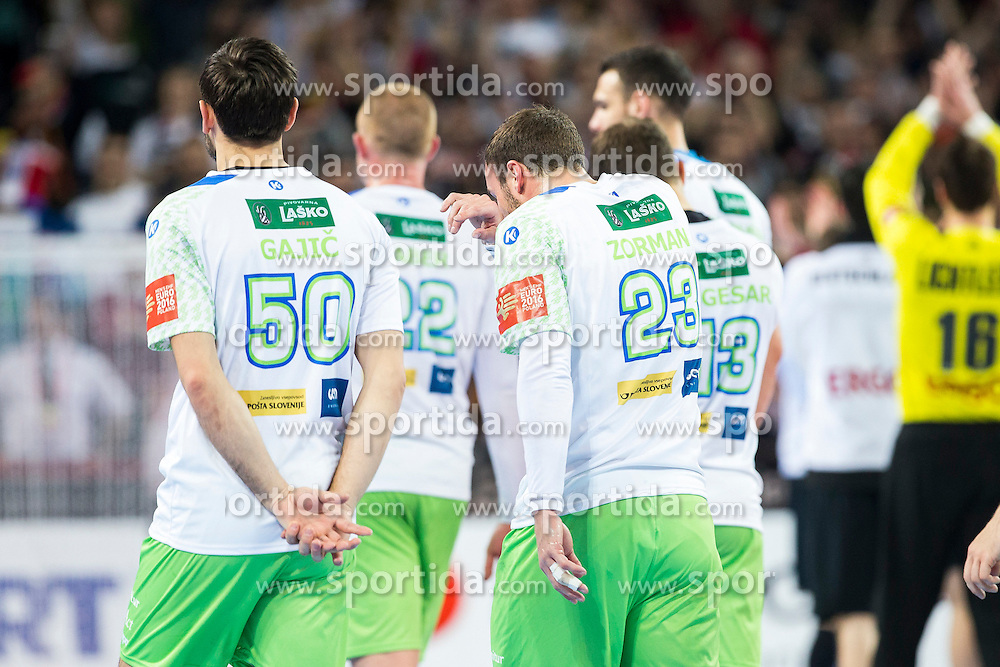 20.01.2016, Jahrhunderthalle, Breslau, POL, EHF Euro 2016, Deutschland vs Slowenien, Gruppe C, im Bild Die Slowenische Nationalmannschaft verlaesst das Spielfeld. // during the 2016 EHF Euro group C match between Germany and Slovenia at the Jahrhunderthalle in Breslau, Poland on 2016/01/20. EXPA Pictures &copy; 2016, PhotoCredit: EXPA/ Eibner-Pressefoto/ Koenig<br /> <br /> *****ATTENTION - OUT of GER*****